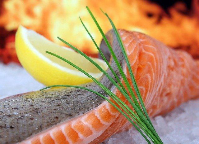 eet meer vette vis zoals zalm